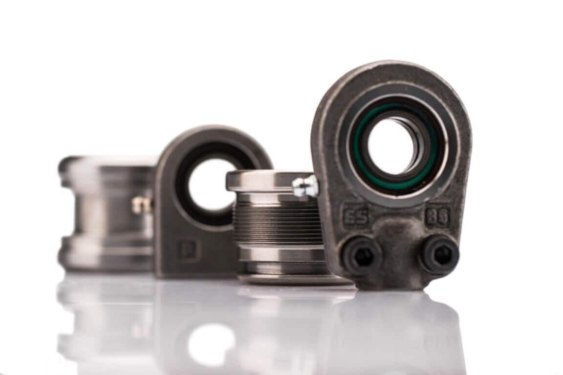 Komponente oz. sestavni deli za hidravlične cilindre